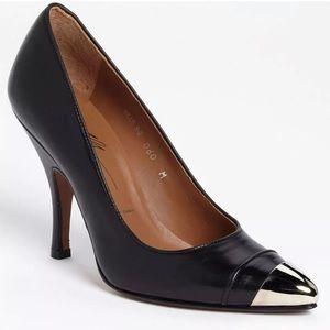Donal J Pliner Authentic Leather Pump shoes Sz 8M